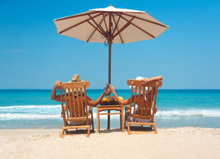 Tourweb-Fernweh-Angebote/USA/Florida-Palm-Beach-Beach-Chair-couple