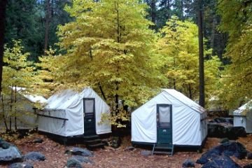 Kalifornien/Yosemite/Curry-Village-Tents-01