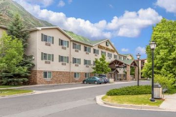 Glenwood-Springs/Quality-Inn-and-Suites-01