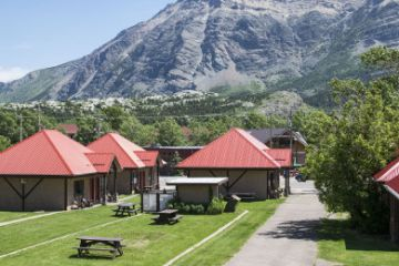 Waterton-Lakes/Aspen-Village-Inn-01